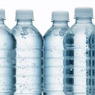 Bouteilles d'eau minérale