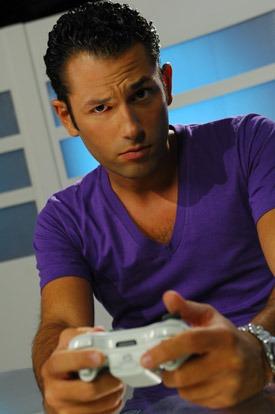 Julien Tellouck prsentateur sexy de Game One